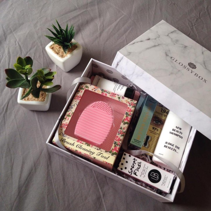 glossybox unboxing packaging septembre 2016.jpg
