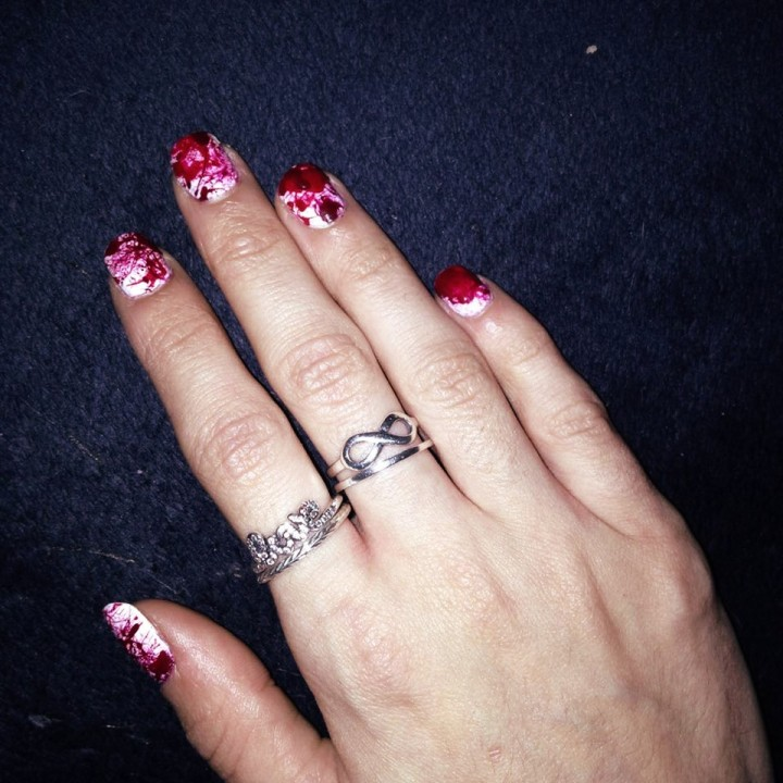 nail-art ensanglanté  (1).jpg