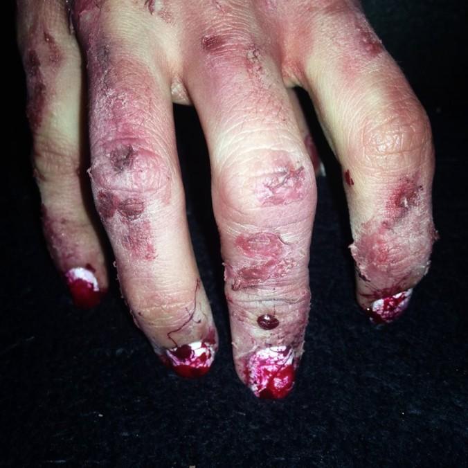 nail-art-ensanglante-et-makeup-fx-18