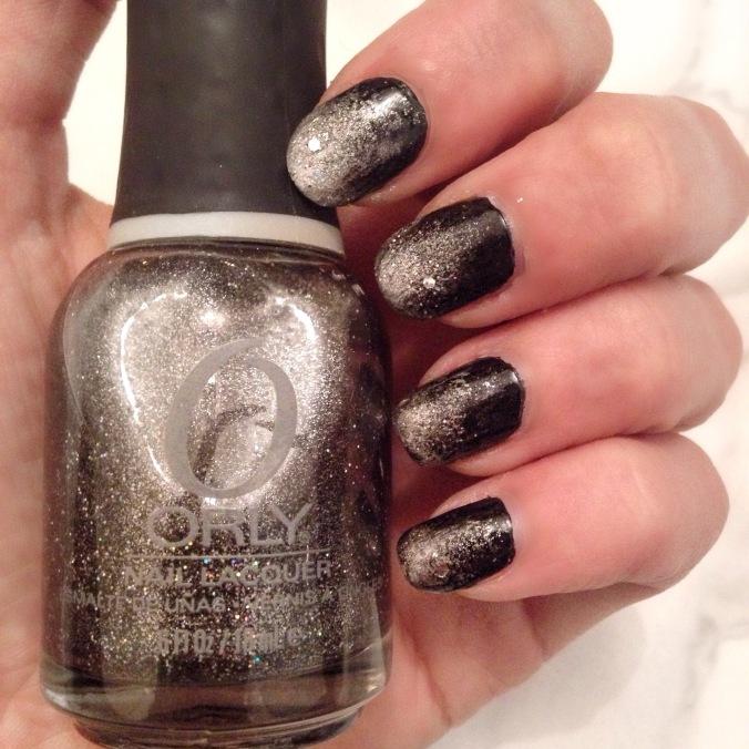 nail-art-noir-et-paillete-2-2