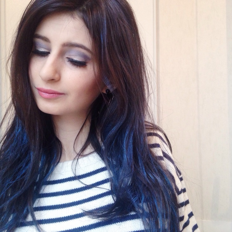 maquillage-bleu-glacier-msc-tilt-et-ploof-de-mac-spray-colorista-loreal-bleu-pastel-2