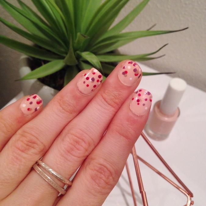 nail art st valentin confettis - nailsinc formula x yves rocher essie lollipops (8).JPG