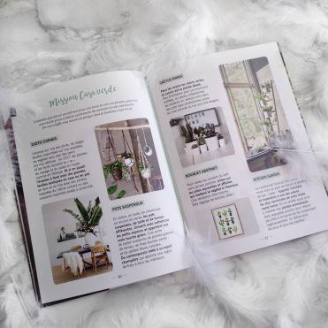 Glossybox Mars 2017 Secret Garden page mag (2)