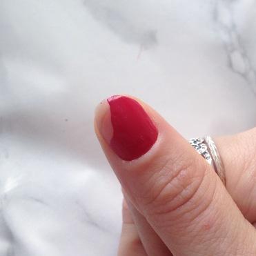 Mani Marker de L'Oréal Paris (401 Red) - Pouce (avant)