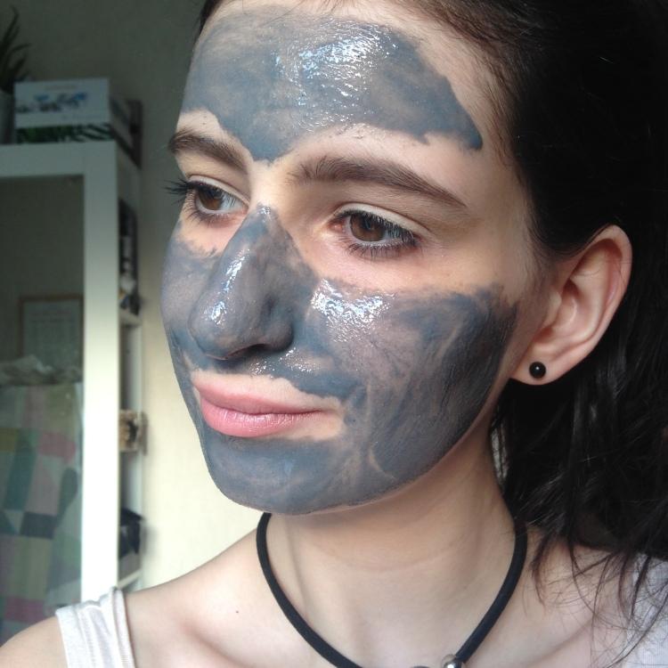 Masque auto chauffant, Bioré application