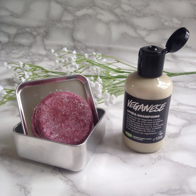 Revue LUSH Shampoing Solide Jason and the argan oil + après shampoing Veganese (1)