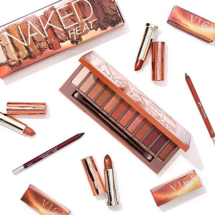 URBAN DECAY - Naked Heat Collection.jpg