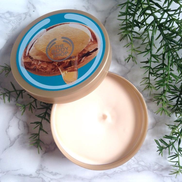 Beurre corporel de The Body Shop Huile d'argan intérieur.jpg