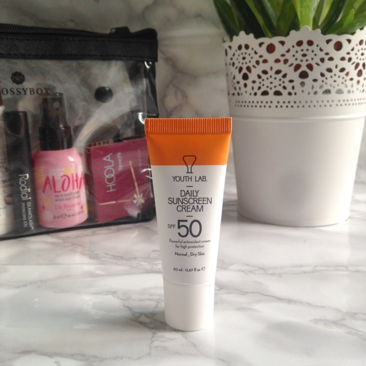 Glossybox Summer Edition juillet + août 2017 Crème solaire Youth LAB