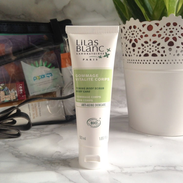 Glossybox Summer Edition juillet + août 2017 Gommage Lilas Blanc