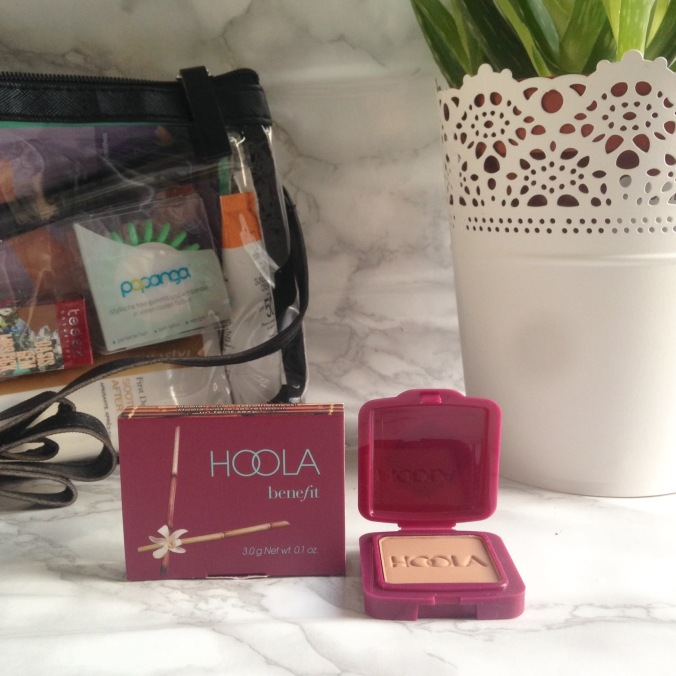Glossybox Summer Edition juillet + août 2017 Hoola de Benefit