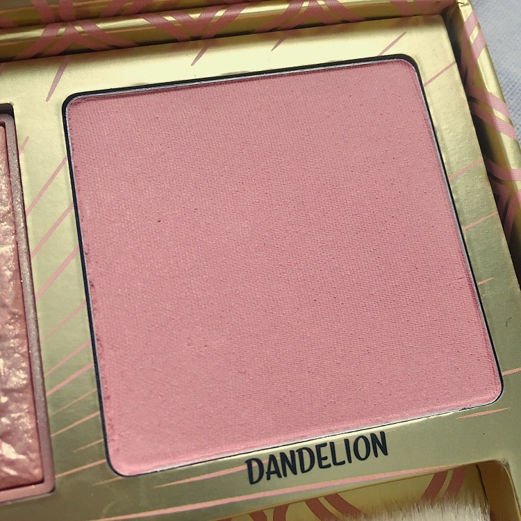 Palette Blush Bar de Benefit Dandelion.JPG
