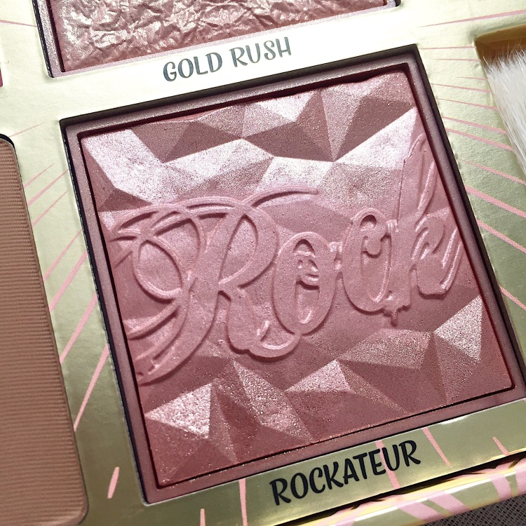 Palette Blush Bar de Benefit Rockateur.JPG