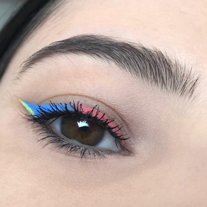 Makeup Vivid Eyeliner Trio (Baeside) de Fenty Beauty