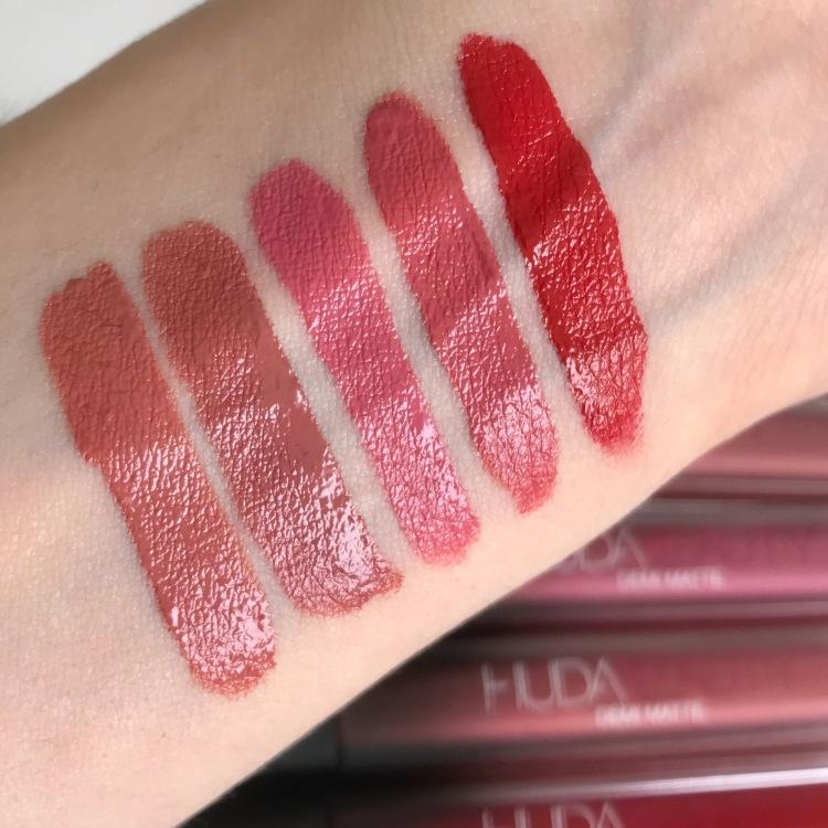 Rouges à lèvres Demi-Matte d'Huda Beauty Swatchs